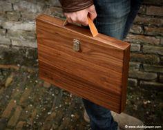 Woodcase macbook pro Studio Jasper www.studiojasper.com