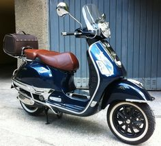 I would like to go all over USA on that scooter Scooters Vespa, Motos Vespa, Piaggio Vespa, Lambretta Scooter, Scooter Motorcycle, Scooter Helmet, Motor Scooters, Vespa Bike, Vespa 300