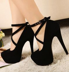 Little black pump OMG I WANT THIS