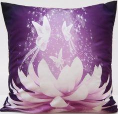Poszewki na poduszki ozdobne fioletowe z białą lilią