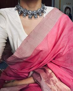 New fashion trends indian wear 42 ideas Traditional Fashion, Traditional Outfits, Indian Attire, Indian Wear, Indian Dresses, Indian Outfits, Indian Clothes, Saree Jewellery, Modern Saree