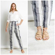 TELVA nos propone un #look #casual para el buen tiempo. Combina una #camisa blanca, unos #pantalones de #rayas y nuestras #sandalias anudadas en color beige ¡Y tendrás el estilo que siempre deseaste!.  #exe #exeshoes #telva #sandalias #snake #sandaliasexe