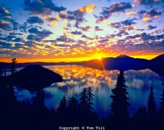 Crater Lake National Park Wizard Island | Crater Lake & Wizard Island at Dawn, Crater lake National Park ...
