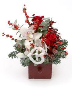 Crăciun magic Christmas Arrangements, Floral Arrangements, Funeral Flowers, Wedding Flowers, Pretty Flowers, Flower Decorations, Christmas Wreaths, Craft Projects, Centerpieces