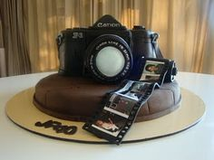 birthday cake photography results - ImageSearch Photography Themes, Cake Photography, Photography Camera, Photography School, Cakepops, Fondant Cakes, Cupcake Cakes, Camera Cakes, Marshmallow Cake