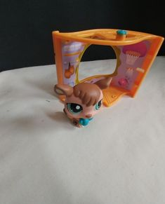 Littlest Pet Shop Boxing Brown Kangaroo With Blue Gloves And Gym Pet Nook #Hasbro