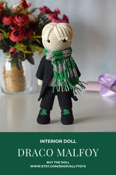 Disney Crochet Patterns, Crochet Amigurumi Free Patterns, Crochet Dolls, Free Crochet, Draco Malfoy, Crochet Crafts, Crochet Projects, Hp Harry Potter, Aesthetic Green