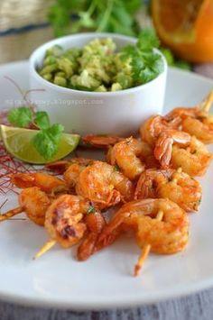 O rany, to chyba najlepsze krewetki, jakie jadłam. Są chyba nawet smaczniejsze niż klasyczne z masłem, czosnkiem i pietruszką. Duża w tym za... Snack Recipes, Healthy Recipes, Snacks, Healthy Food, Tasty, Yummy Food, Antipasto, Sushi, Shrimp