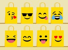 Party Emoji, Emoji Diy, Decorated Gift Bags, Paper Flower Wreaths, Goodie Bags, Favor Bags, Party Bags, Party Favors, Childrens Party