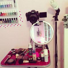 Makeup Designs most Makeup Bag On Wheels but Makeup Revolution Gilded Palette other Makeup Brushes Nordstrom Rack plus Makeup Organizer Inside Drawer Makeup Storage, Makeup Organization, Vlog Tips, Youtube Setup, Oil Makeup Remover, Makeup Brushes, Beauty Youtubers, Makeup Rooms, Beauty Studio