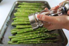 Baked Asparagus with Lemon Butter Parmesan Baked Asparagus, How To Cook Asparagus, Asparagus Recipe, Side Recipes, Veggie Recipes, Cooking Recipes, Healthy Recipes, Vegetable Sides, Vegetable Side Dishes