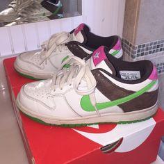 Nike Shoes - Women's Nike Dunks