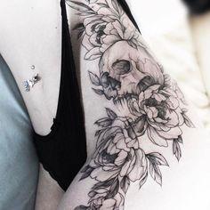 #тату #татуцветы #татуировка #tattoo #tatrussia #tattoo2me #tattooart #tattoopins #tattoogirls #tattooartist #tattoomoscow #statt_girl #graphictattoo #wowtattoo #peonytattoo #ink #flowertattoo #tattsketches #tattoodesign #russiantattooers #blacktattoo #blxckink #moscowtattoo #Equilattera #tattooselection #inkspiretattoos #rosetattoo #thinkbeforeuink #scull #sculltattoo