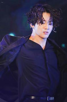 Ucul ih rambutnya jdi pen w masak deh:\ Foto Jungkook, Foto Bts, Jungkook Cute, Kookie Bts, Jungkook Oppa, Bts Bangtan Boy, Namjoon, Jung Kook, K Pop