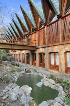 Mansion dream house: Midcentury-modern Scandinavian-style house in North Castle, N.Y