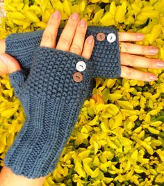 Crochet Mittens, Crochet Gloves, Crochet Lace, Lace Knitting Patterns, Loom Knitting, Hand Knitting, Happy Birthday Son, Fingerless Gloves Knitted, Tear