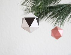 snug.christmas balls DIY