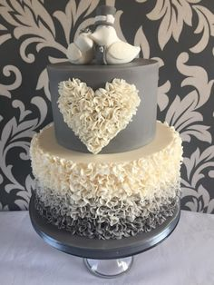 Ombré ruffle wedding cake-Ombré ruffle who knew they took so long 10 hours but I love them hope you do #weddingcakes