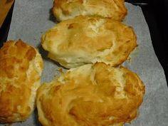 Pão Francês II Não Contém Gluten Eu já comentei aqui no blog que a minha irmã passa mal quando come margarina/manteiga, então resolvi te...