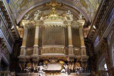 Rom, Salita del Grillo, Santa Catherina da Siena a Magnanapoli, vergitterter Orgelprospekt mit Sängerkanzel | da HEN-Magonza