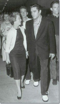 {*Elvis with then Girlfriend Anita Wood*}