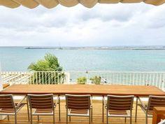 沖縄旅行で訪れたいのんびり海を眺められる素敵な海カフェ8選