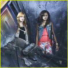 Fire It Up Bella Thorne And Zendaya, Bella Throne, Punk, Wonder Woman, Superhero, Celebrities, Shake, Disney, Fire