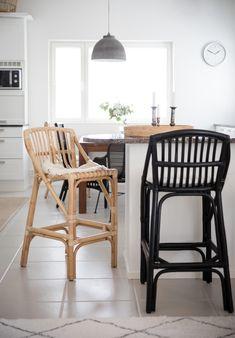 West coast baarituolit lv tai musta Wishbone Chair, West Coast, Bar Stools, Furniture, Home Decor, Bar Stool Sports, Decoration Home, Room Decor, Home Furnishings