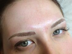 3D ögonbryn utförda med microblading, handmetoden.