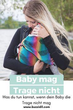 Was du tun kannst, wenn dein Baby die Babytrage nicht mag.  #tragestreik #attachmentparenting #babytrage #tragebaby #tragehilfe Womens Fashion, Beauty, Bebe, Piglets, Drinking, Food, Women's Fashion, Cosmetology, Woman Fashion