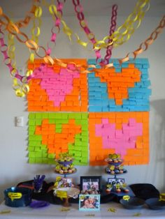 genius!!!use post it-s for backdrop:)