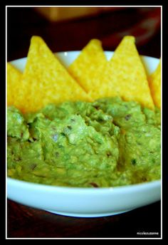 """""""The Best Guacamole"""" . If any of my guests ever say that I make the best guacamole, I'll know I have arrived. Think Food, I Love Food, Good Food, Yummy Food, Yummy Eats, Appetizer Recipes, Snack Recipes, Cooking Recipes, Appetizers"""