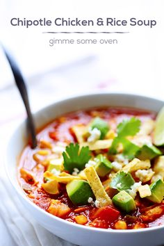 Chipotle Chicken and Rice Soup.since Seth loved the chipotle pork soup so much Chili Recipes, Mexican Food Recipes, Soup Recipes, Great Recipes, Chicken Recipes, Cooking Recipes, Favorite Recipes, Healthy Recipes, Healthy Soups