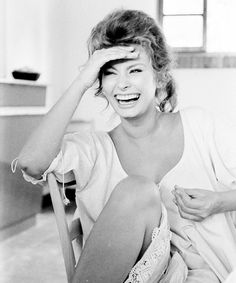 Proof Laughing is so sexy - Sophia Loren photographed by Alfred Eisenstaedt, 1961.