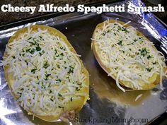 Cheesy Alfredo Spaghetti Squash is delicious and healthy! #vegetarian #healthy