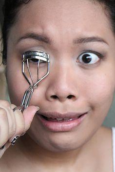 Help Please! 5 Reasons Your Eyelash Curler Isn't Working Like It Should. http://bodyline-skin-care.myshopify.com/blogs/how-to/19593731-5-reasons-your-eyelash-curler-isnt-working