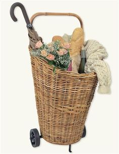 Wicker Cart - Perfect for shopping Farmers' Market! - This roomy basket-on-wheels will tote anything from groceries to laundry with ease. French Country Style, French Country Decorating, Country Chic, Rattan, French Baskets, Reproduction Furniture, Market Baskets, Romantic Outfit, Romantic Homes