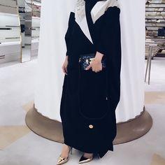 IG: By.AishaAlTayeeb    IG: Beautiifulinblack    Modern Abaya Fashion   