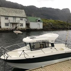 Too cold to go fishing or boating? Our Askeladden P66 Pilothouse is equipped with a heater for chilly days, and is available for rent all year round. And remember, at this time of the year, the fish quality is at it's best. #boatrental #boats #boote #båtutleie #boat #boating #båt #fjordboating #fisk #fiske #fishing #fish #norway #visitnorway #boatinglife #sognogfjordane #fjordkysten #fjord #sognefjorden #hyllestad #sogn #lifjorden #lihesten #angeln #mittvestland #mittnorge #deepseafishing…