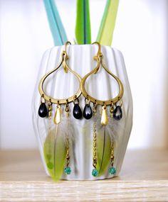 Boucles d'oreilles plumes vertes exotique par helenecreationbijoux