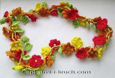 вязаная бижутерия из цветов и листиков