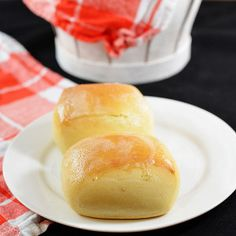 Texas Roadhouse Rolls Copycat. This dinner roll recipe is unbeatable!