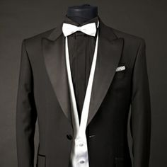 NARMAN - costume de mire, costume de ocazie, costume barbati, smoking-uri, frac-uri, pantofi de mire, pantofi barbati, accesorii nunta - exclusiv pentru barbati. Mens Fashion Quotes, Men's Suits, Bowties, Mai, Men's Fashion, Suit Jacket, Prom, Costumes, Wedding
