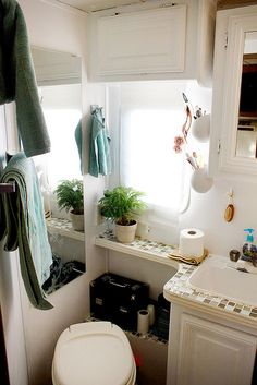 RV Bathroom: white on white with tile counter?