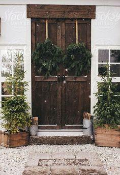 Rustic Christmas, love the front door Noel Christmas, Merry Little Christmas, Country Christmas, All Things Christmas, Winter Christmas, Simple Christmas, Natural Christmas, Cottage Christmas, Woodland Christmas