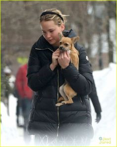Jennifer Lawrence goes makeup free while stepping out for a walk with her pet pooch in Boston Common on Saturday (February 21) in Boston, Mass.