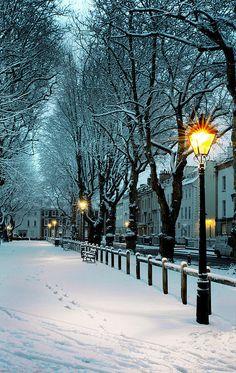 Snowy Night, Bristol, England - wanderlust