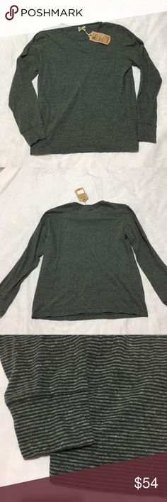 """Faherty  T-shirt long sleeve striped New without tags  the tag size are missing  Measures match with medium size,please view measures below. only does have one tag what you see in pics  **some clothing don't run true size please view measures by my Team.**    size:M   . Shoulder (Back side) :18. 1/2""""   .Bust/Chest Under armpit ( around) : 39""""   . Length (high) :  24""""  SKU: 27-08 Faherty Tops Tees - Long Sleeve"""