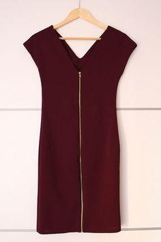 ¡Hola! ¿Qué tal va la semana?   Hoy traigo el paso a paso para hacer este vestido ajustado con cremallera en la espalda , ya pensando en ...