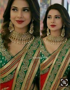 Bridal Dupatta, Indian Wedding Couple Photography, Desi Wedding Dresses, Jennifer Winget Beyhadh, Sari Design, Elegant Bride, Beautiful Bride, Pakistani Dresses, Indian Dresses